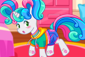 卧室里的彩虹小马